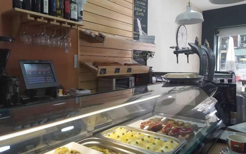 Local comercial en alquiler en Palos de Moguer en Madrid - 358126742