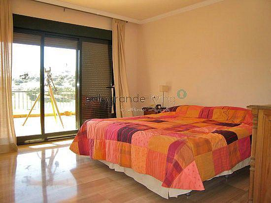 Dormitorio principal - Apartamento en alquiler en Sotogrande - 326405563