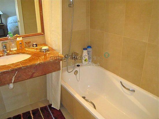 Baño 2 - Apartamento en alquiler en Sotogrande - 326405575
