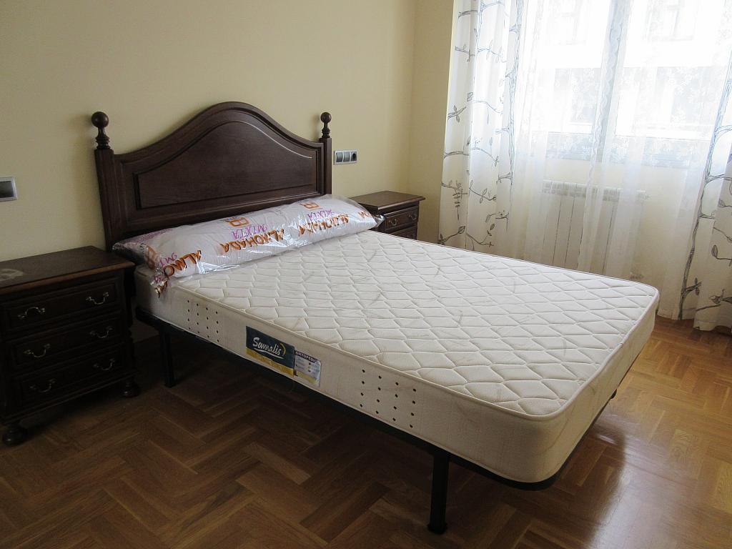 Dormitorio - Piso en alquiler en calle Angel Embil, Pola de Siero - 268713376