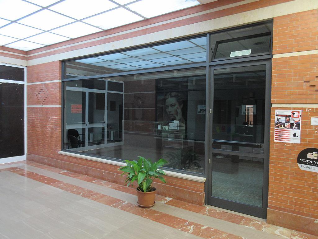 Fachada - Local comercial en alquiler opción compra en calle Villaverde y Enrique II, Pola de Siero - 281447845