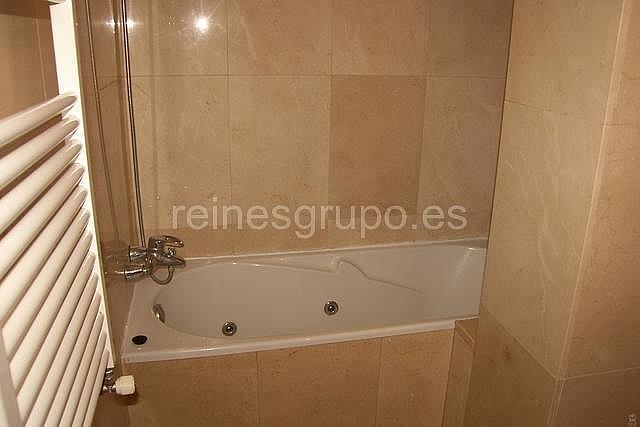 Baño - Piso en alquiler en calle Hermanos Felgueroso, Pola de Siero - 193760314