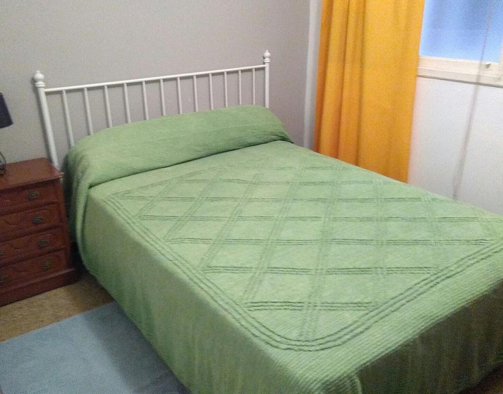 Piso en alquiler en barrio San Luis, Os Mallos-San Cristóbal en Coruña (A) - 318894370