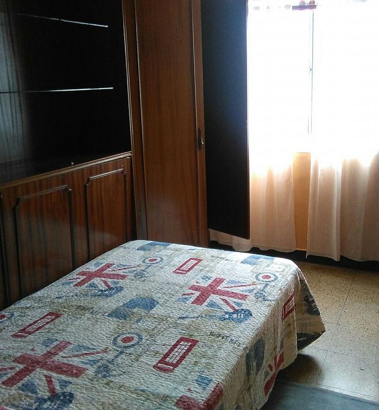 Piso en alquiler en barrio San Luis, Os Mallos-San Cristóbal en Coruña (A) - 318894381