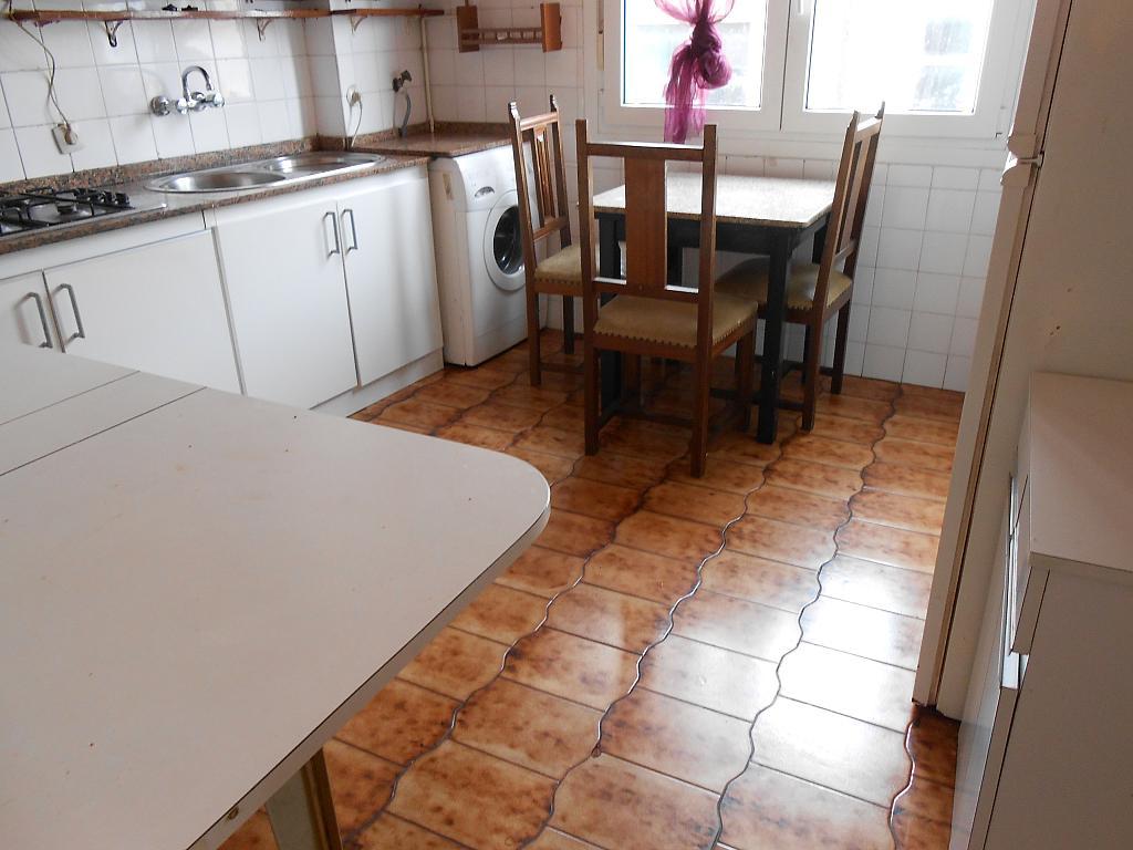 Piso en alquiler en barrio Asturias, Os Mallos-San Cristóbal en Coruña (A) - 321214772