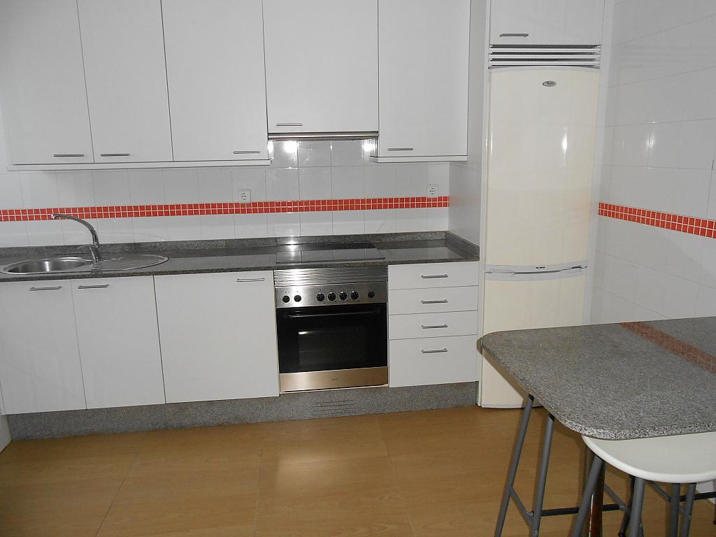 Apartamento en alquiler en barrio Manuel Murguia, Riazor-Labañou-Los Rosales en Coruña (A) - 325283996