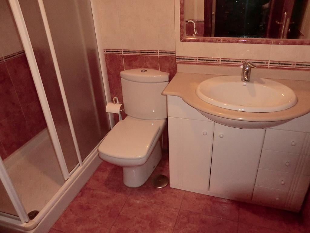 Apartamento en alquiler en barrio San Luis, Os Mallos-San Cristóbal en Coruña (A) - 327640083