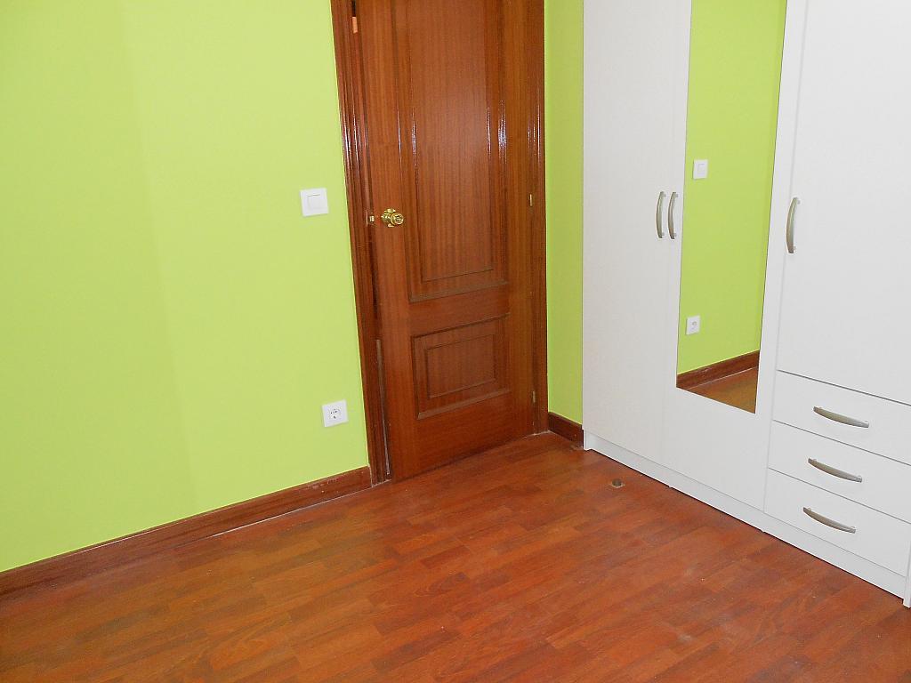 Piso en alquiler en barrio San Luis, Os Mallos-San Cristóbal en Coruña (A) - 328067739
