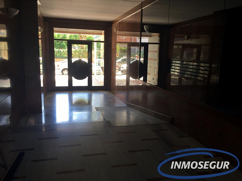 Vestíbulo - Apartamento en venta en calle Berenguer de Palou, Poble en Salou - 301814482