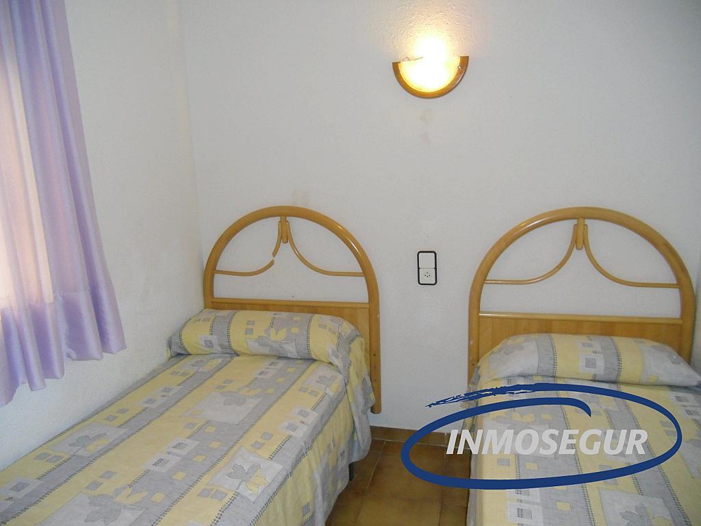 Dormitorio - Apartamento en venta en calle Murillo, Capellans o acantilados en Salou - 331318482