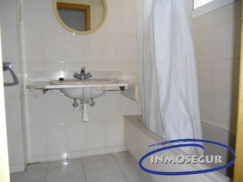 Baño - Apartamento en venta en calle Navarra, Plaça europa en Salou - 117939895