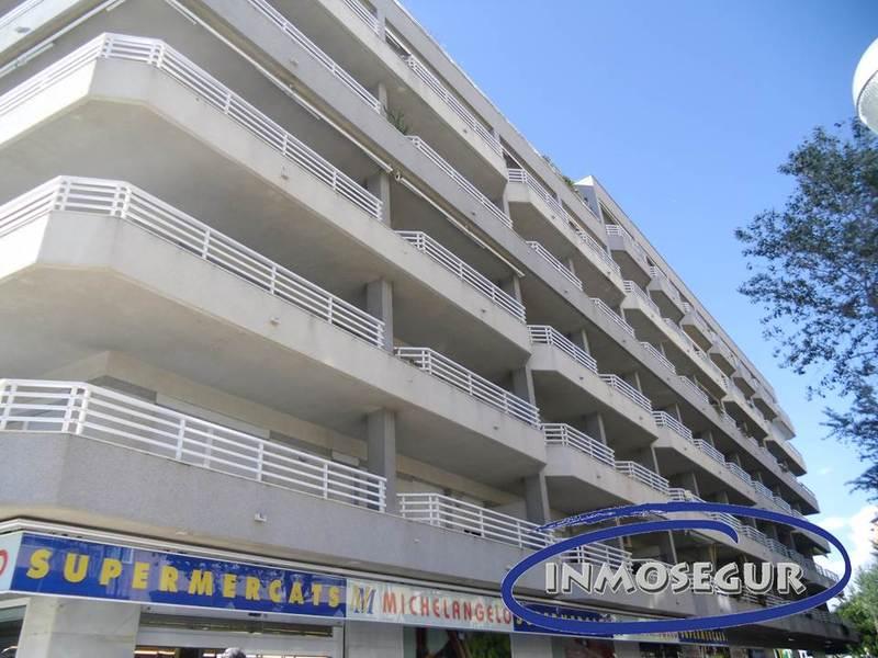 Fachada - Apartamento en venta en calle Navarra, Plaça europa en Salou - 117939902
