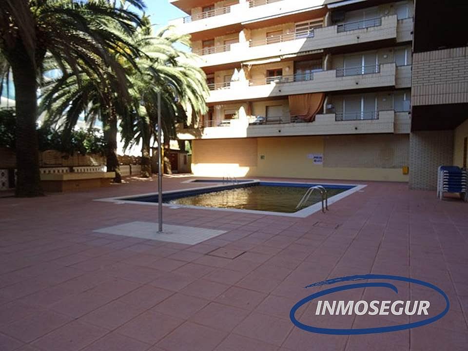 Piscina - Apartamento en venta en calle Barbastro, Paseig jaume en Salou - 178308541