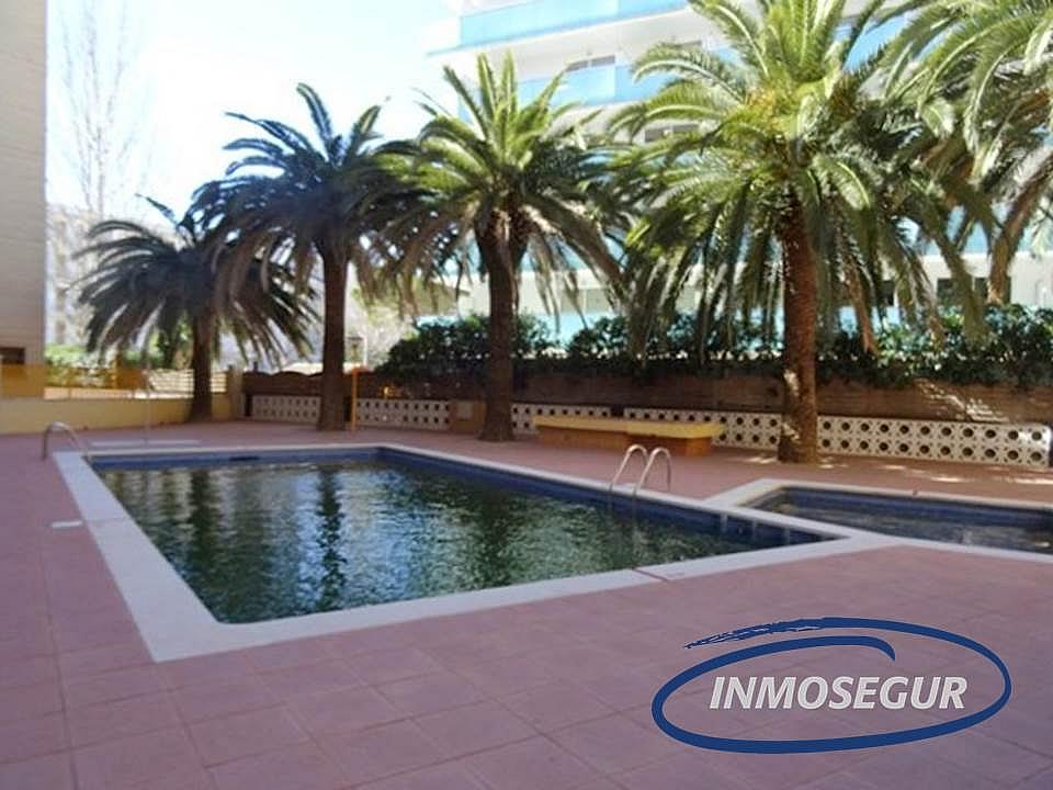 Piscina - Apartamento en venta en calle Barbastro, Paseig jaume en Salou - 178308549