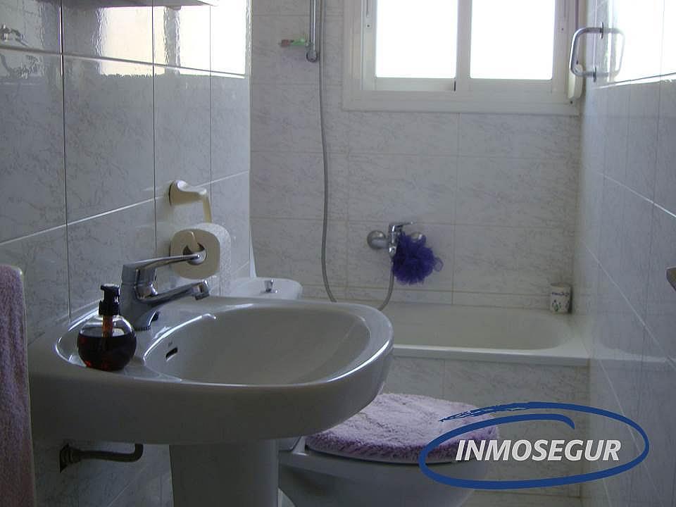 Baño - Apartamento en venta en calle Lleida, Paseig jaume en Salou - 183158087