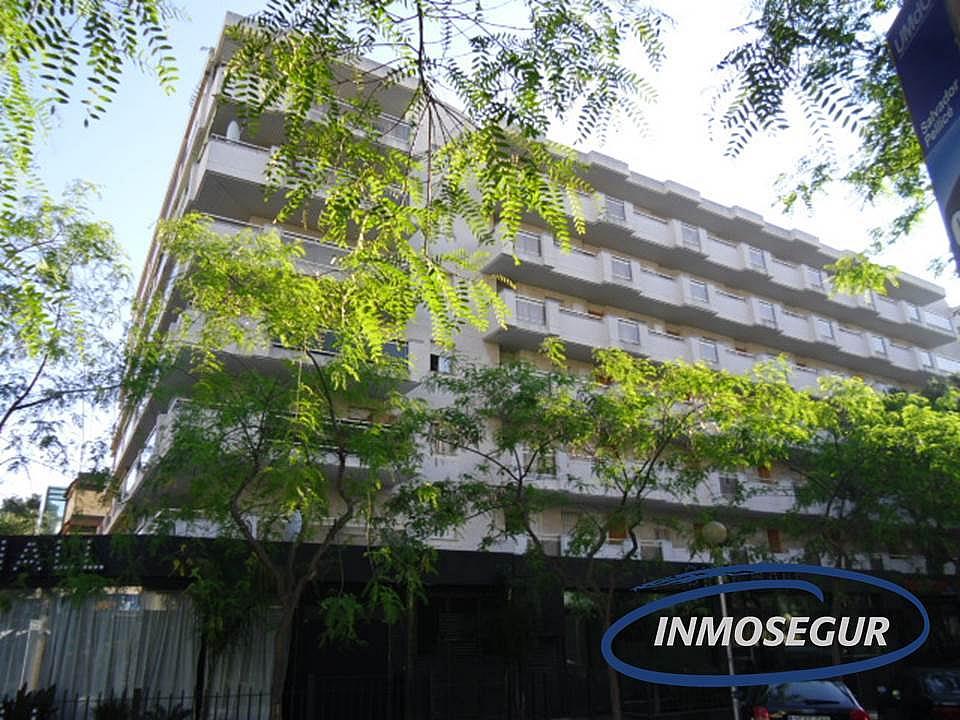 Fachada - Apartamento en venta en calle Barbastro, Capellans o acantilados en Salou - 197461992