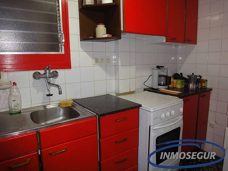Cocina - Apartamento en venta en calle Colon, Capellans o acantilados en Salou - 210677548