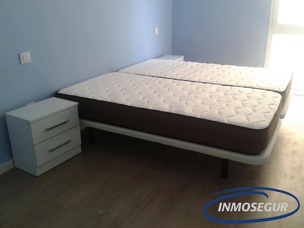 Dormitorio - Apartamento en alquiler en carretera Del Far, Cap salou en Salou - 329576193