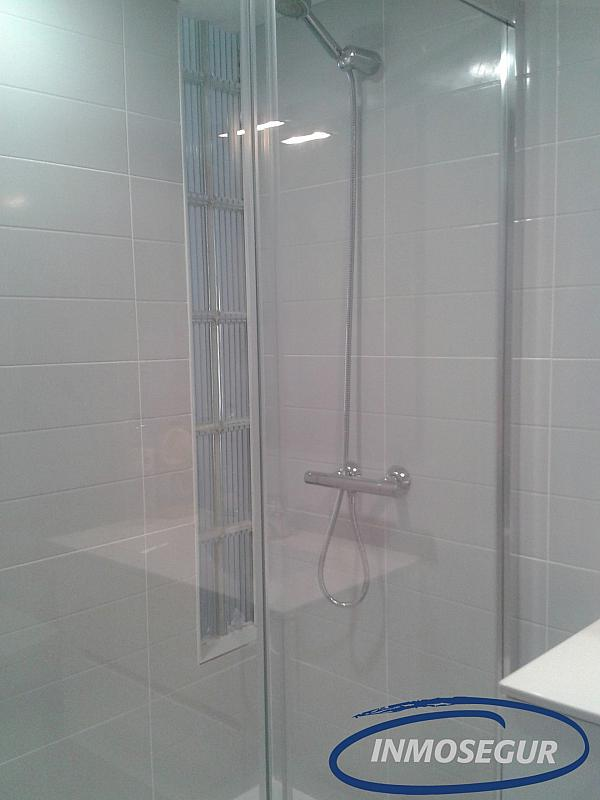 Baño - Apartamento en alquiler en carretera Del Far, Cap salou en Salou - 334786815