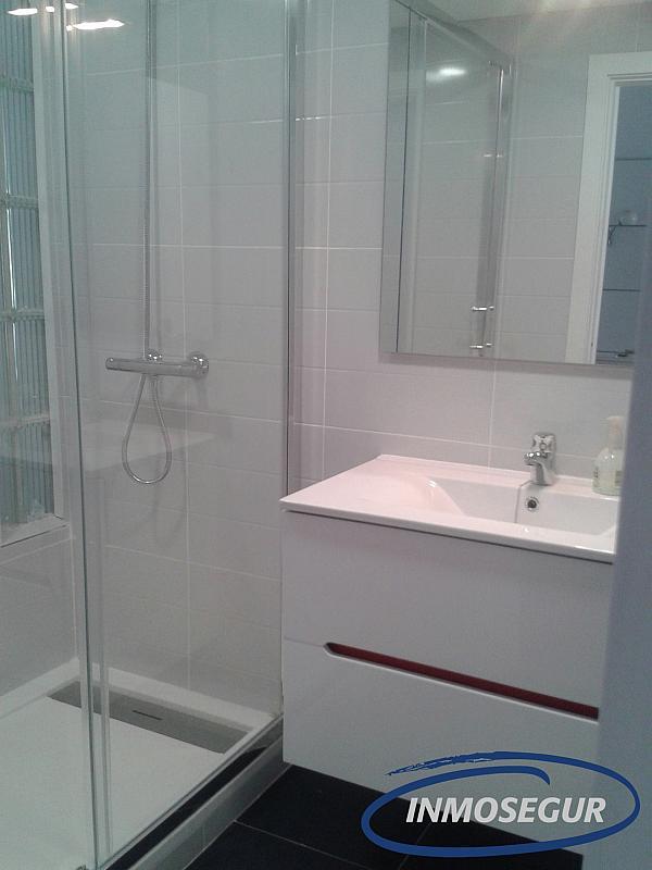 Baño - Apartamento en alquiler en carretera Del Far, Cap salou en Salou - 334786819