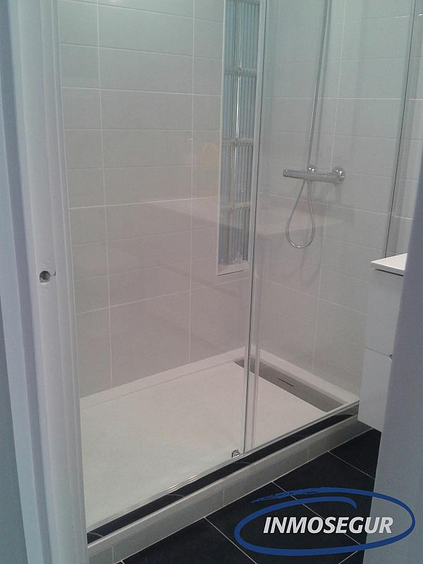 Baño - Apartamento en alquiler en carretera Del Far, Cap salou en Salou - 334786823