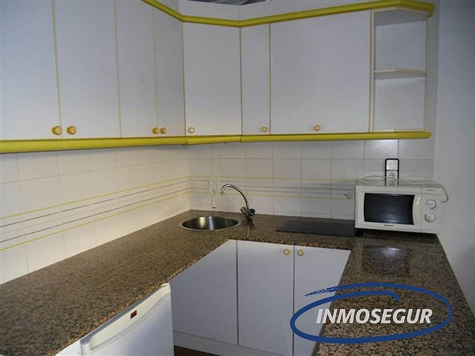 Cocina - Apartamento en venta en calle Barbastro, Capellans o acantilados en Salou - 232183992