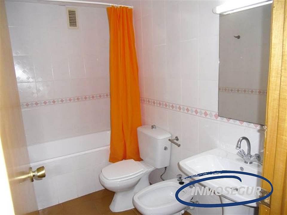 Baño - Apartamento en venta en calle Barbastro, Capellans o acantilados en Salou - 232184005