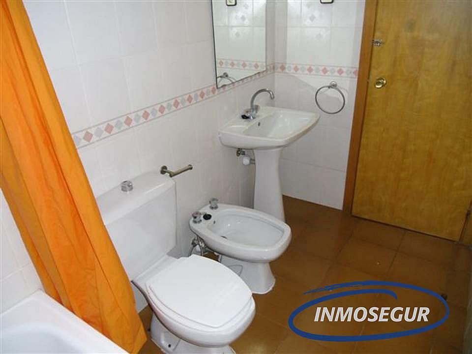 Baño - Apartamento en venta en calle Barbastro, Capellans o acantilados en Salou - 232184009