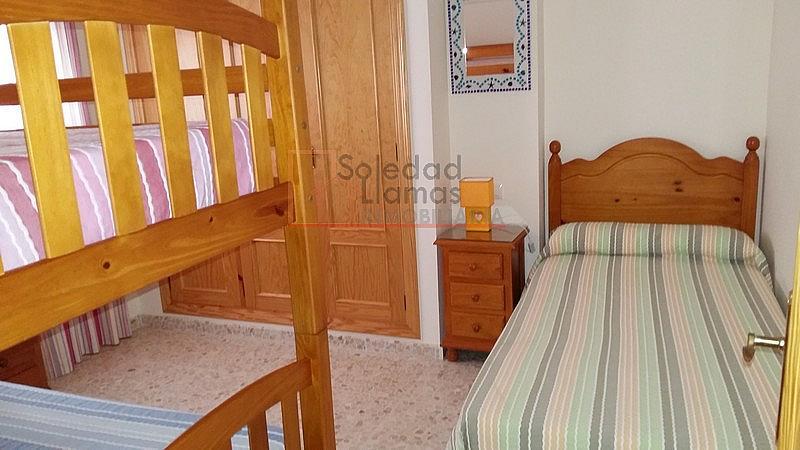 Dormitorio - Piso en alquiler de temporada en calle Chorrillo, Rota - 259915965