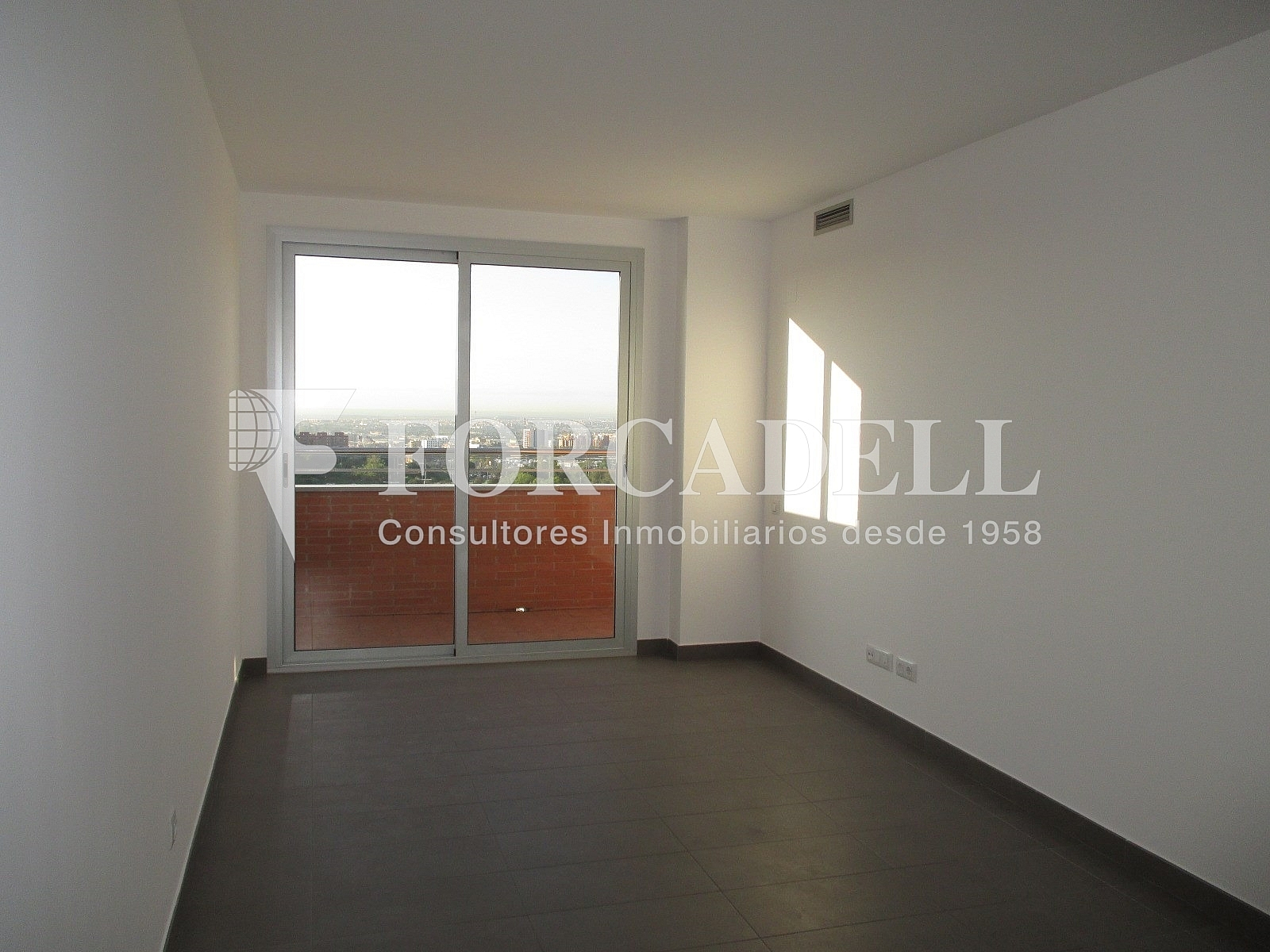 IMG_2687 - Piso en alquiler en calle Merce Rodoreda, Can clota en Esplugues de Llobregat - 331432101