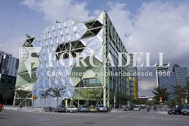 Edificio (fachada) - Oficina en alquiler en calle De Roc Boronat, El Parc i la Llacuna en Barcelona - 263454531