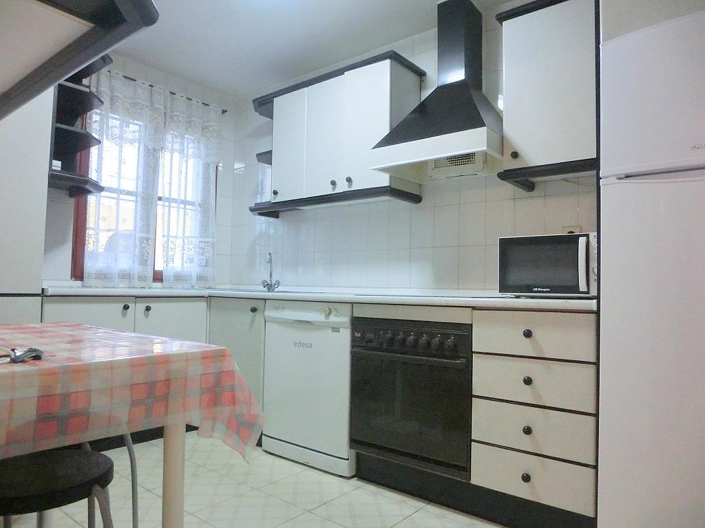 Dúplex en alquiler en calle De Las Piletas, Barrio Bajo en Sanlúcar de Barrameda - 256718091
