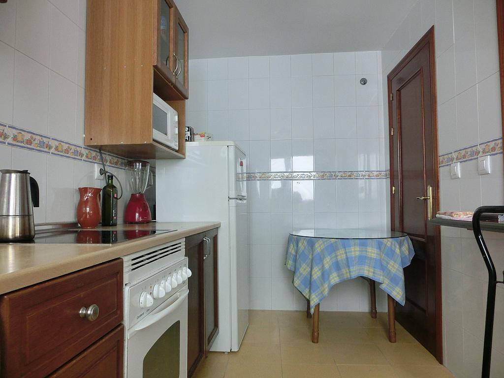 Cocina - Piso en alquiler en calle Cabo Noval, Casco Urbano en Sanlúcar de Barrameda - 201934077