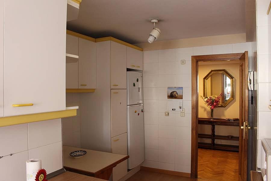 Foto - Piso en alquiler en calle Perillosanta Cristina, Oleiros - 352879638
