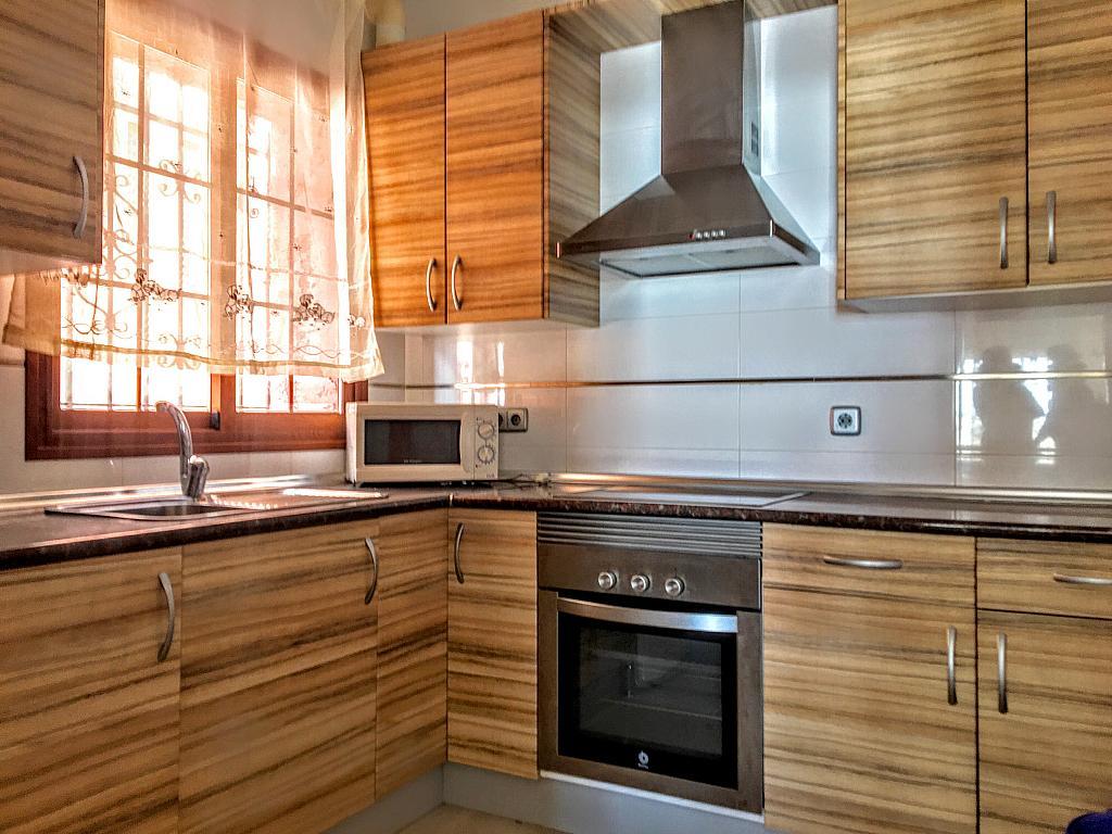 Cocina - Piso en alquiler de temporada en plaza Murillo, San Juan de los Terreros - 236443046