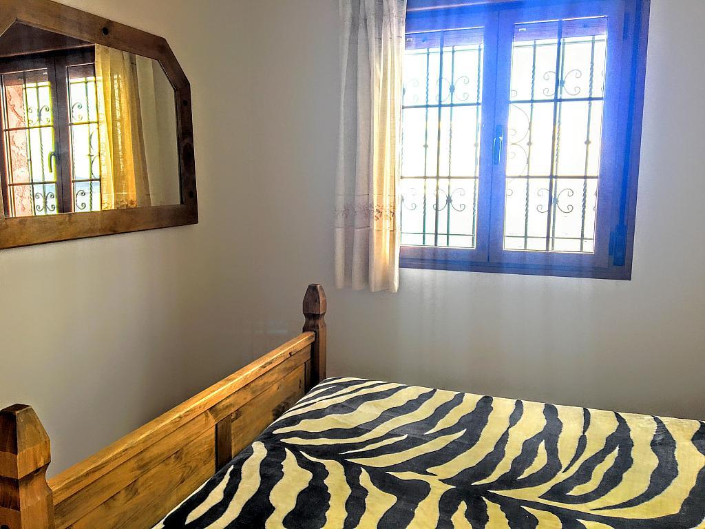 Dormitorio - Piso en alquiler de temporada en plaza Murillo, San Juan de los Terreros - 236443259