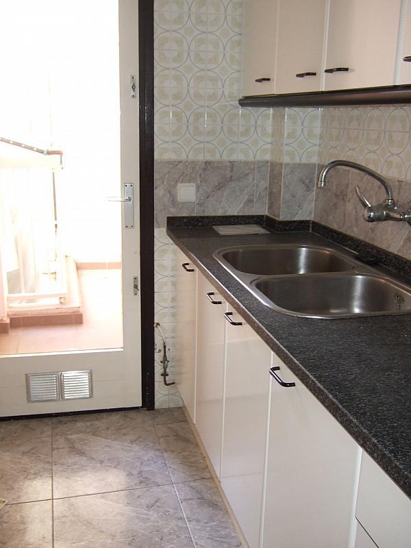Piso en alquiler en calle , Rocafonda en Mataró - 375702328
