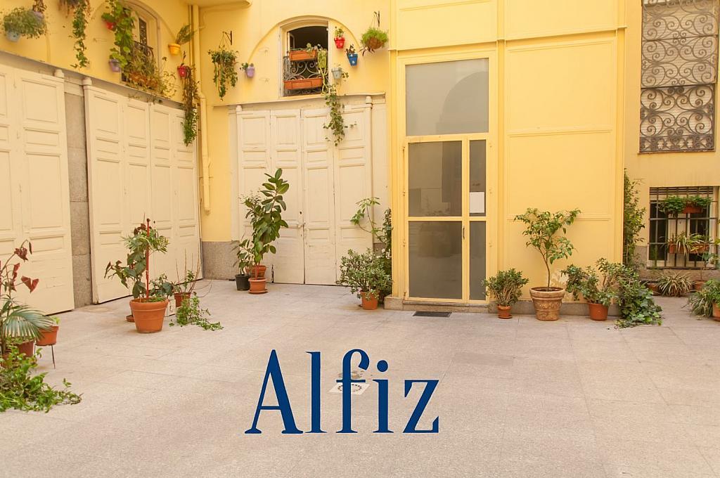 Loft en alquiler en calle De Santo Domingo, Centro en Madrid - 329130146
