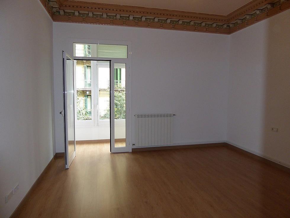 Dormitorio - Piso en alquiler en calle Rosellón, Eixample esquerra en Barcelona - 323446588