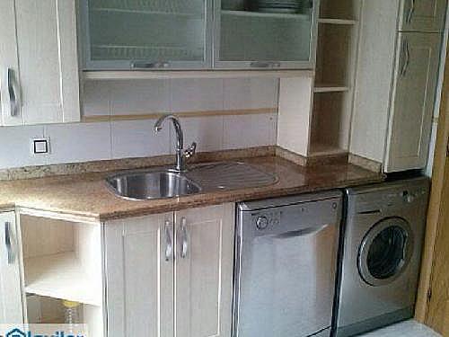 Piso en alquiler en calle Arquitecto Repuelles Vargas G, Pizarrales en Salamanca - 328823175
