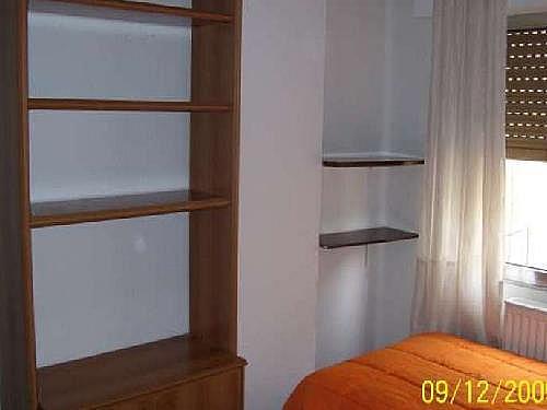 Piso en alquiler en calle Vecinos, San Bernardo en Salamanca - 328819131