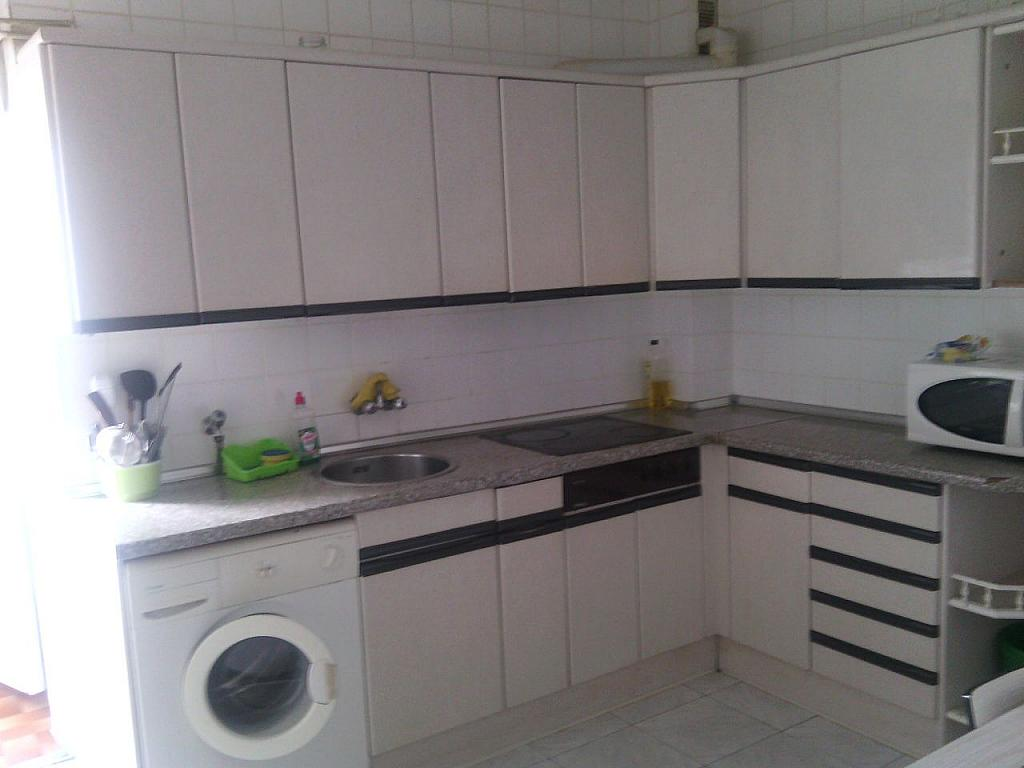 Piso en alquiler en calle Tomillar, Pizarrales en Salamanca - 329742763