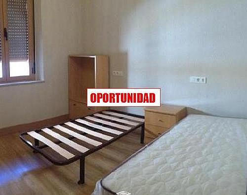 Piso en alquiler en calle Toledo, Capuchinos en Salamanca - 329742718