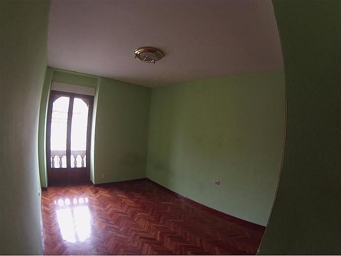 Piso en alquiler en calle Rector Tobar D, Carmelitas Oeste en Salamanca - 329741572