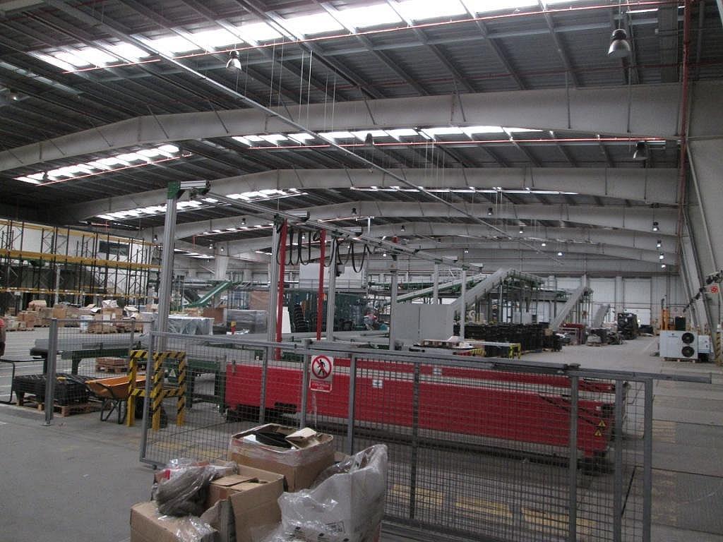 Planta baja - Nave industrial en alquiler en calle Miguel Faraday, Los Molinos en Getafe - 248045973