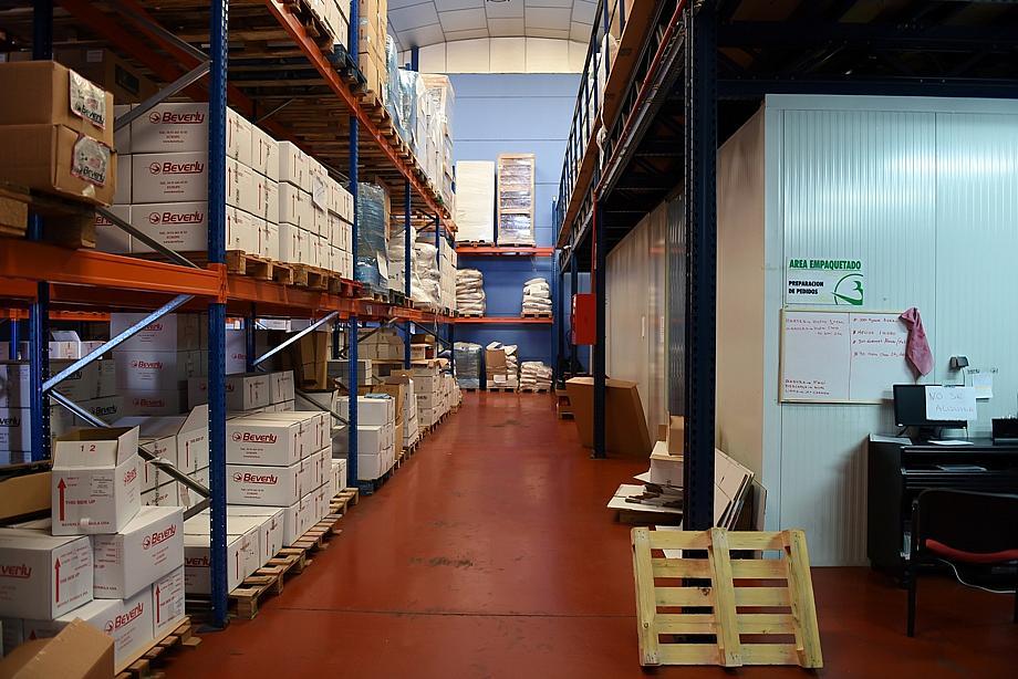Planta baja - Nave industrial en alquiler en calle Fisicas, Ondarreta-Las Retamas-Parque Oeste en Alcorcón - 272645433