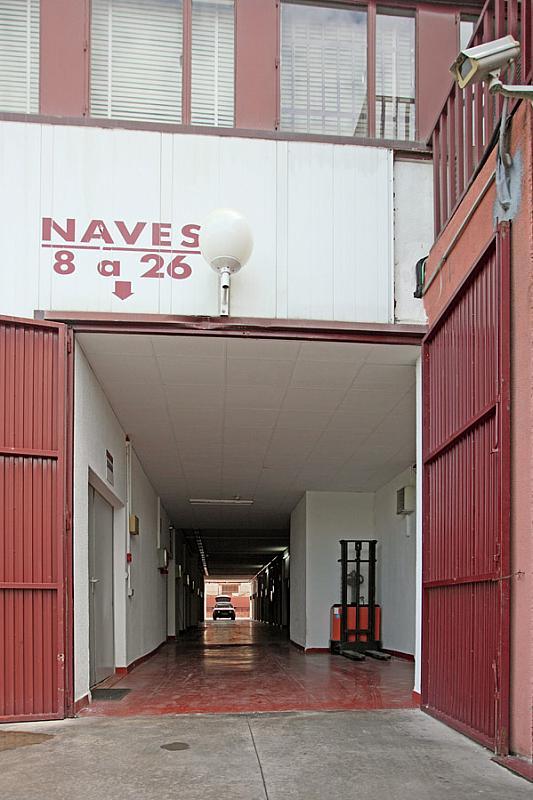 Local en alquiler en calle Arboleda, Ensanche de Vallecas en Madrid - 323034436