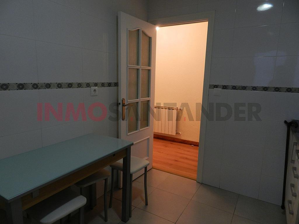 Piso en alquiler en calle Vargas, San Fernando en Santander - 293134368