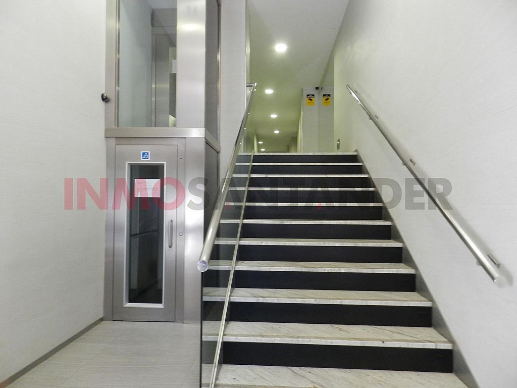 Piso en alquiler en calle Vargas, San Fernando en Santander - 293134372