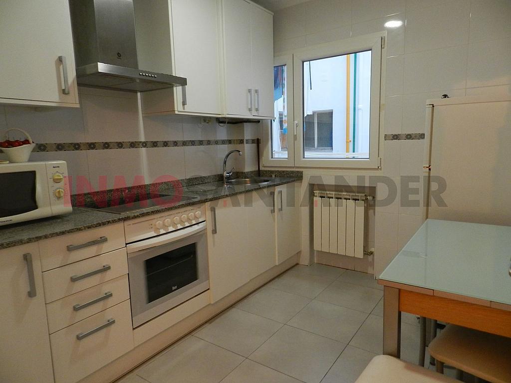 Piso en alquiler en calle Vargas, San Fernando en Santander - 293134377